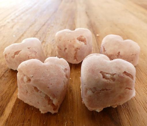 Selbst gemachtes Hunde-Eis Leberwurst